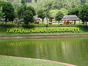 kolam renang tirta nirwana